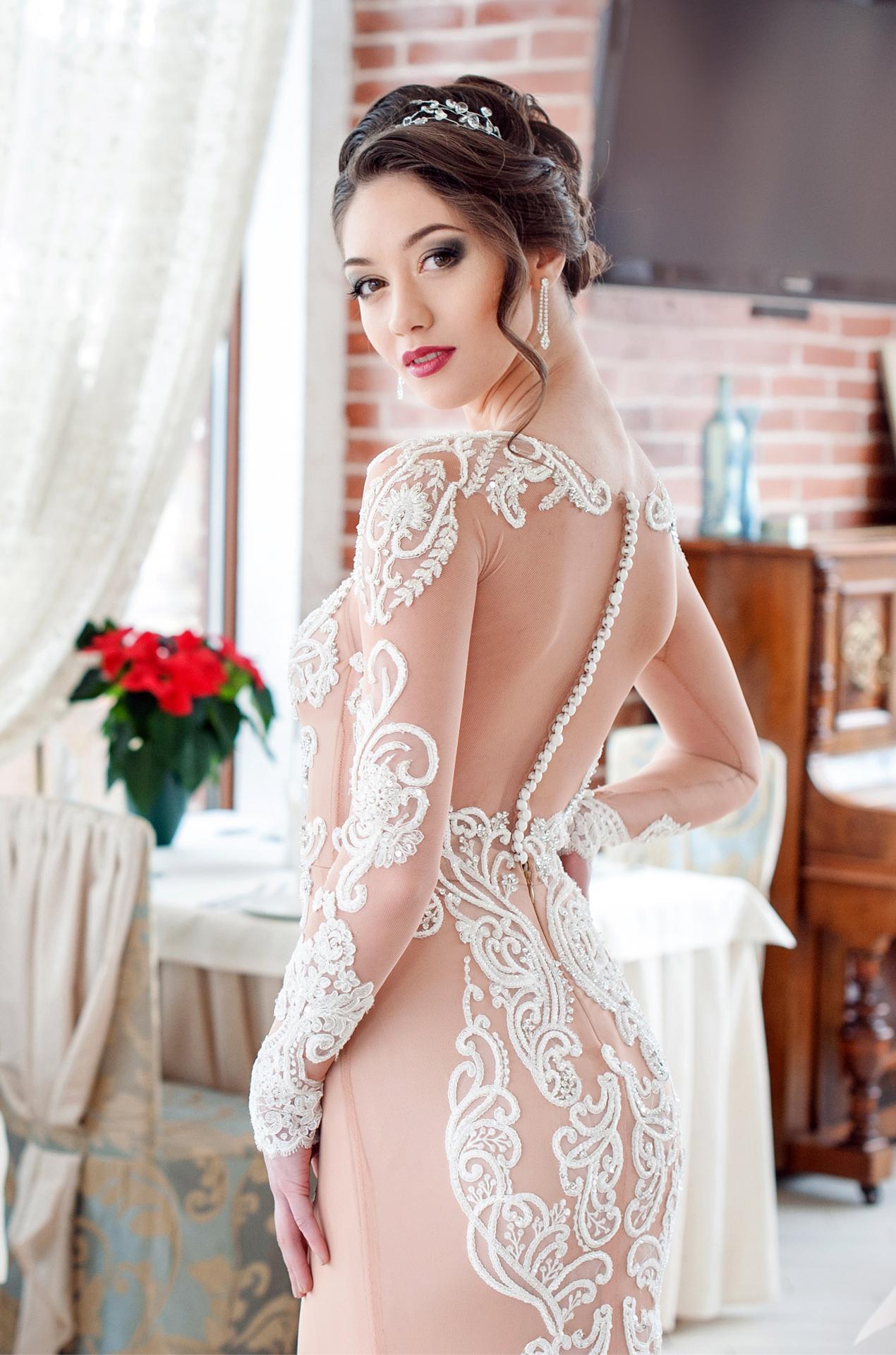 Фото таты в свадебном платье